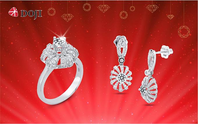 Thương hiệu DOJI giảm giá đến 20% cho trang sức kim cương trong cả những bộ sưu tập mới nhất, trong chương trình Mua càng cao, ưu đãi càng khủng từ ngày 15 đến 31/12.