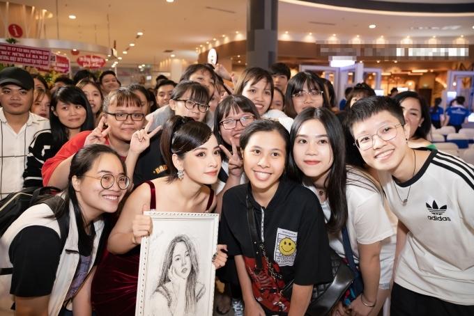 Chi Pu là một trong những nghệ sĩ sở hữu lượng fans hùng hậu.
