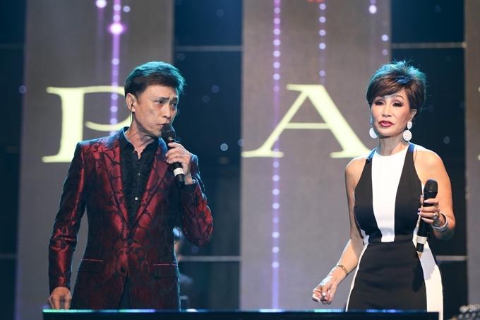 Bộ đôi danh ca Tuấn Ngọc - Khánh Hà hát Time To Say Goodbye.