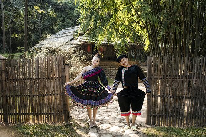 Nam diễn viên hài TrungRuồi (tên thật: Nguyễn Hà Trung,26 tuổi)rủcô dâu Ngọc Hà (23 tuổi,diễn viên múa, kinh doanh) chụp ảnh cưới ở bảo tàng Dân tộc học Việt Nam, studio trước dịp đại hỷ khoảng 20 ngày.