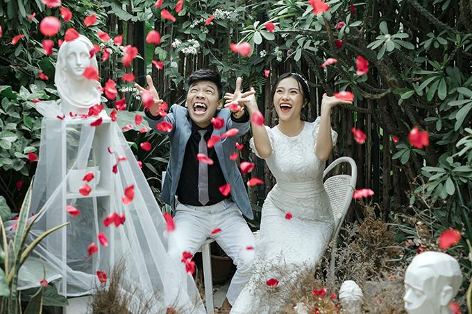 Do đó, nhiếp ảnh gia đã khuyên Trung Ruồi tự do thể hiện bản thân, biểu cảm sao cho anh cảm thấy thoải mái.