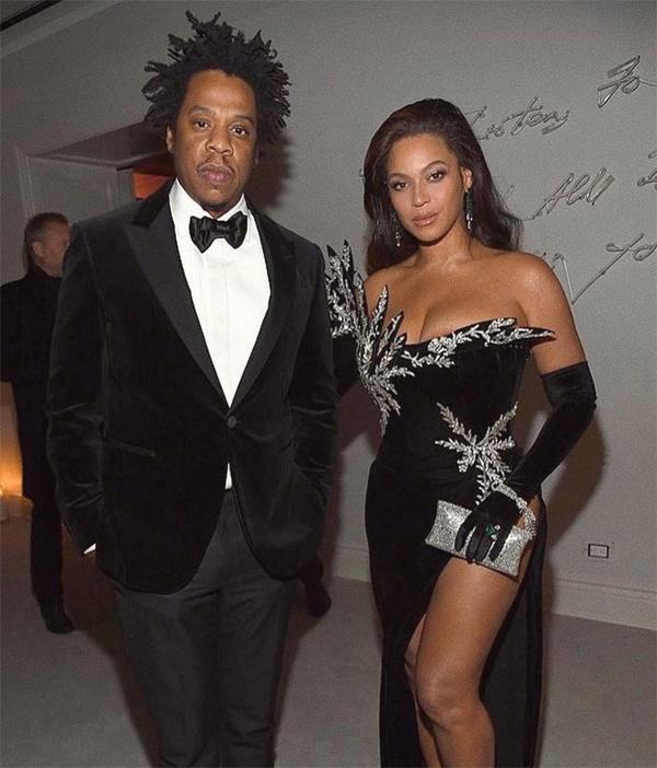 Rapper Jay Z tới cùng bà xã Beyonce.