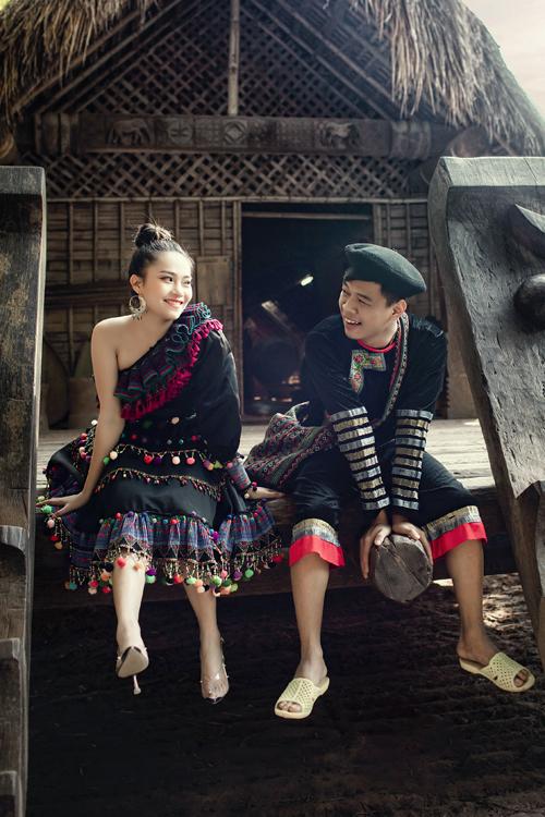 Trung Ruồi hóa thân thành A Lử (nhân vật trong phim A Lử lên tỉnh) trong bộ hình cưới.