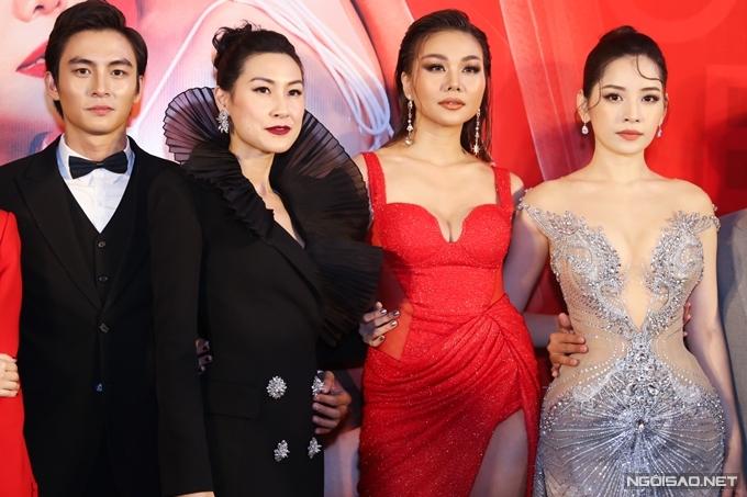 Từ trái sang: Lãnh Thanh, Kathy Uyên, Thanh Hằng, Chi Pu hội ngộ trong sự kiện ra mắt phim ở TP HCM.