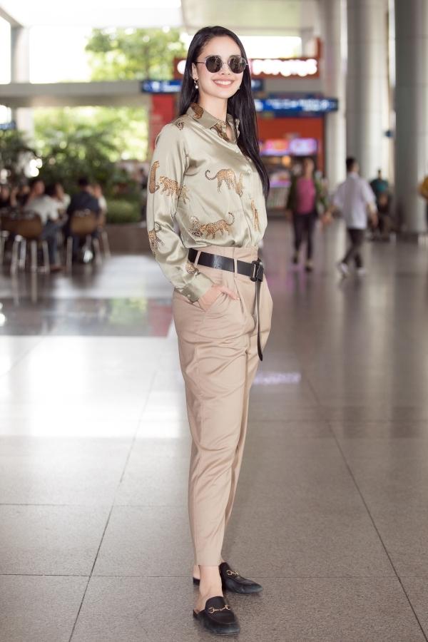 Megan Young sinh năm 1990, là người đẹp Philippines đầu tiên giành vương miện Miss World năm 2013. Sau nhiệm kỳ, cô tiếp tục hoạt động vai trò diễn viên, MC và trở thành gương mặt đắt show ở quê nhà.