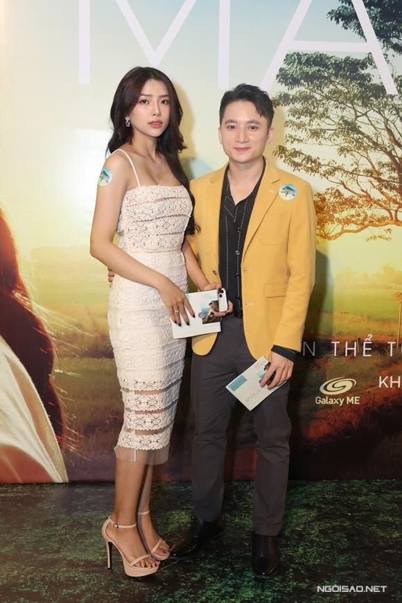 Bạn gái sóng đôi Phan Mạnh Quỳnh đến xem phim. Phan Mạnh Quỳnh chia sẻ, đây là lần đầu anh sáng tác nhạc phim từ khi chưa xem phim, vì các ca khúc của nam nhạc sĩ được dùng trực tiếp trong lúc quay.