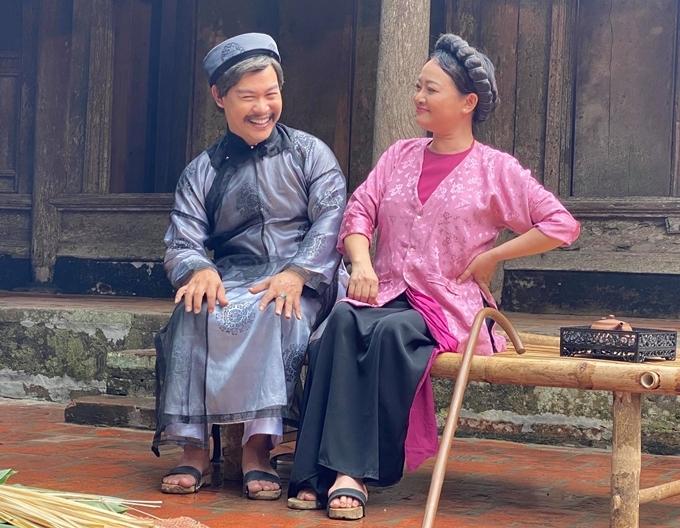 Nghệ sĩ Trà My và Trịnh Minh Dũng trên trường quay.