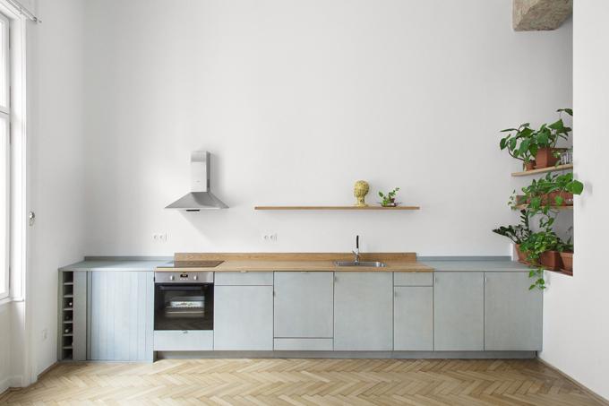 Gia chủ muốn tối giản về nội thất nên chỉ chọn lựa những đồ đạc thiết yếu cho căn nhà.