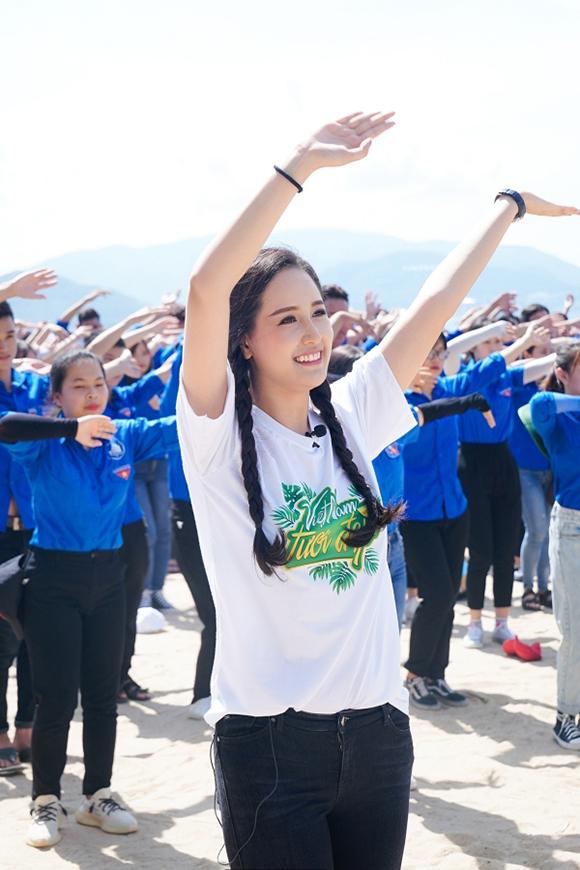 Không chỉ thường xuyên xuất hiện tại các sự kiện giải trí, Mai Phương Thúy còn tích cực tham gia các hoạt động vì cộng đồng trong năm 2019.
