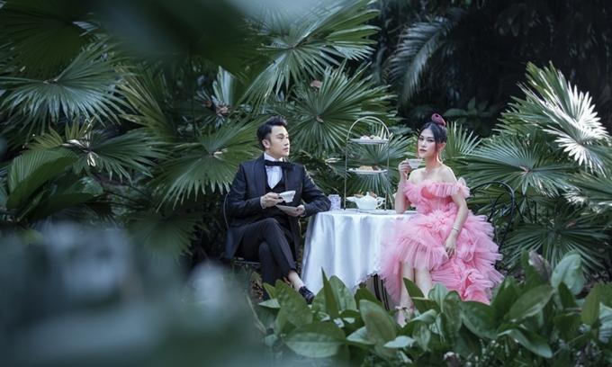 Sau Đàm Vĩnh Hưng, diễn viên Ngọc Thanh Tâm là khách mời thứ hai trong bộ sách ảnh đặc biệt của ca sĩ Dương Triệu Vũ. Chùm ảnh của bộ đôi được lấy cảm hứng từ phim cổ tích Alice In Wonderland (Alice ở xứ sở thần tiên).