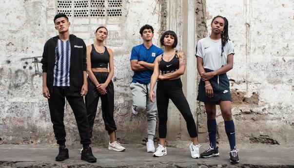 Nike trở thành một trong những hãng thời trang thể thao lớn nhất thế giới nhờ vào sản phẩm sáng tạo và câu slogan ý nghĩa Just do it. Nike vẫn luôn được lòng các tín đồ luyện tập bởi thiết kế cơ bản, năng động và tính tiện lợi của mỗi sản phẩm. Bạn có thể tìm thấy tất cả mọi thứ liên quan đến thể thao tại cửa hàng của Nike.