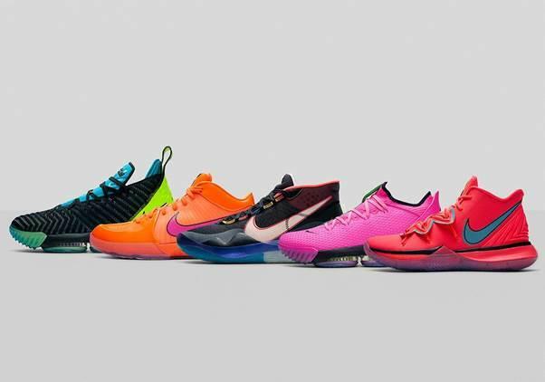 Nike thể hiện đẳng cấp qua những sản phẩm thời trang đường phố hợp tác với các thương hiệulớn khác nhưOff-White x Nike Air Force 1 MCA, Nike Sb Blazer Low Salvator Michael,... Vì vậy, giống như Adidas, Nike sở hữu hàng nghìnsản phẩm được giới trẻ trên toàn thế giới săn lùng và bán lại với giá cao.