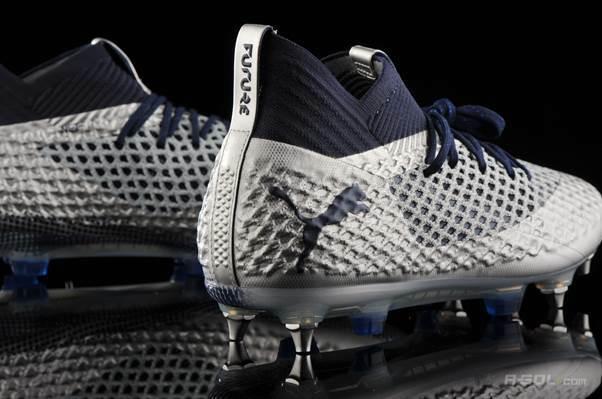 Nổi tiếng toàn cầu với những sản phẩm thể thao, và đặc biệt mạnh nhất ở các thiết kế giày và trang phục cho các giải bóng đá uy tín, Puma đã tạo cho mình một chỗ đứng vững chắc trên làng thời trang thể thao thế giới. Năng động, sáng tạo và bắt kịp xu hướnglà những đặc trưng mà các nhà thiết kế đã khéo léo đưa vào trong các bộ sưu tập của Puma.