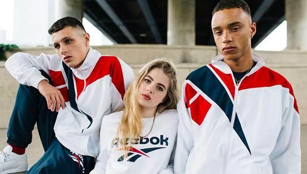 Tuy Reebok đã thuộc sở hữu của Adidas trong hơn 10 năm qua nhưng không vì thế mà thương hiệu này mất đi sức ảnh hưởng trong giới Gym vàFitness. Reebokngày càng được công nhận là một trong những thương hiệu đồ tập nổi tiếng và được nhiều khách hàng tin dùng với chất liệu tốt và giá cả phải chăng.