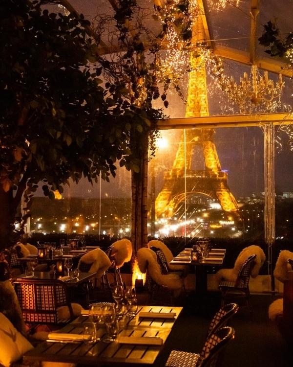 Nhà hàng nơi Vũ Khắc Tiệp, Ngọc Trinh phải đặt trước 2 tháng để ăn tối - 2