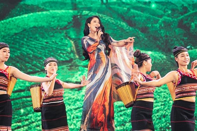 NSƯT Vân Khánh mang đến nhạc phẩm Hương sắc cao nguyên.