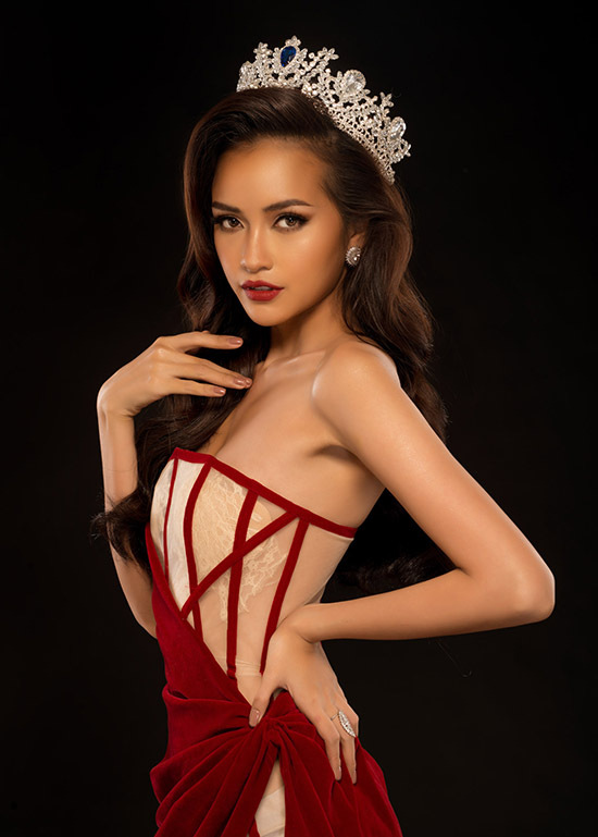 Ngọc Châu gợi ý váy dạ hội mặc trong Giáng sinh