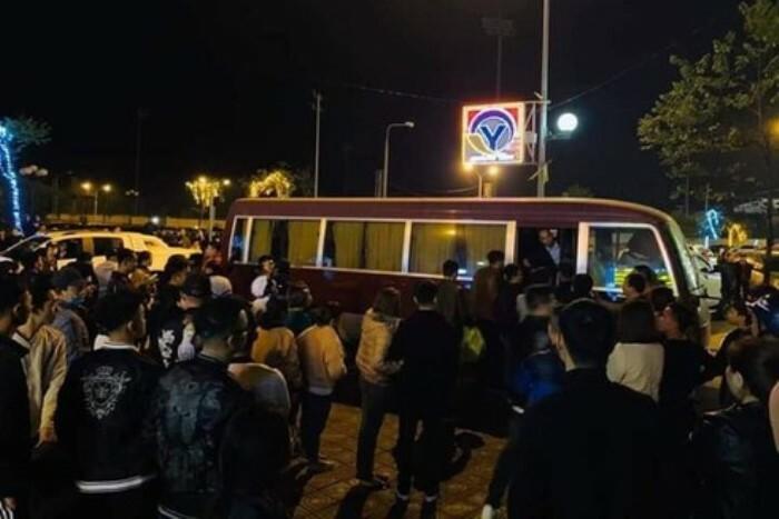70 cảnh sát vây bắt nhóm thanh niên dùng ma túy