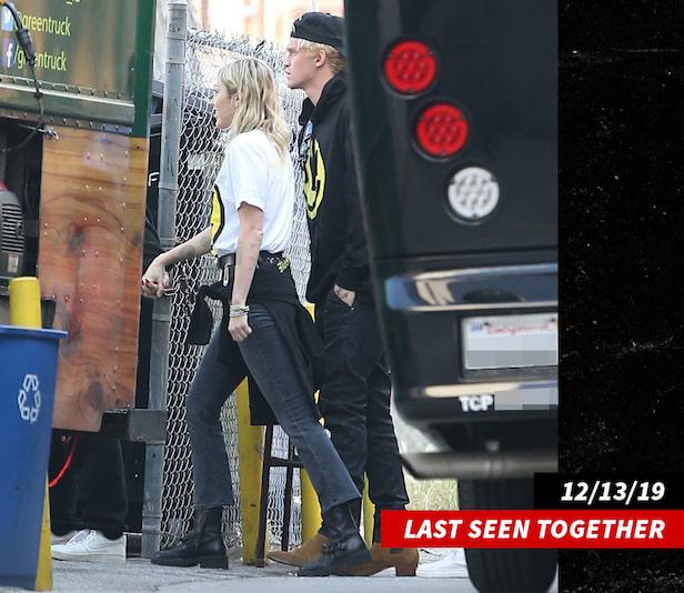 Miley và Cody đi cùng nhau lần cuối hôm 13/12.