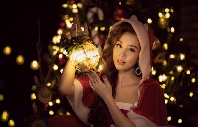 Người đẹp Thư Đình tung bộ ảnh đón Giáng sinh - 2