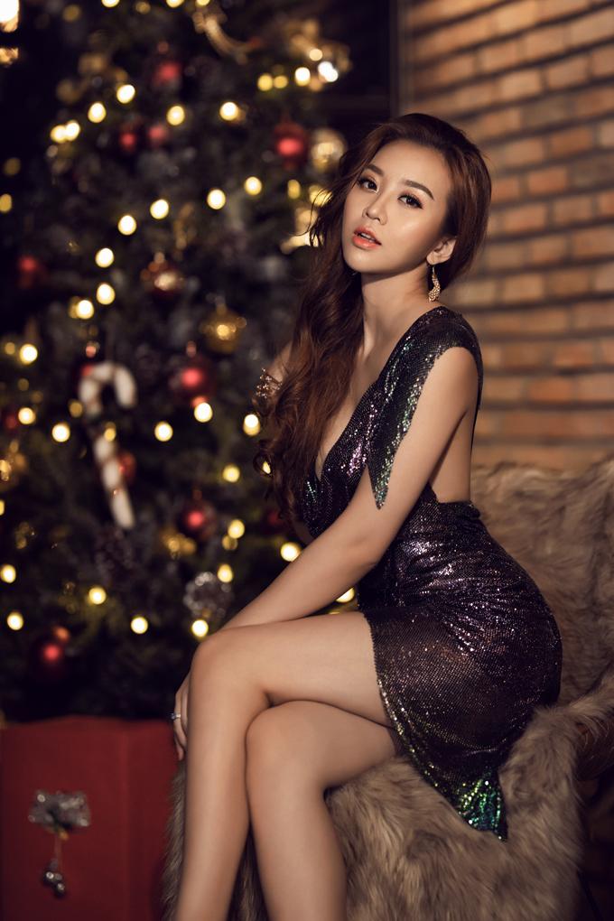 Người đẹp Thư Đình tung bộ ảnh đón Giáng sinh - 4