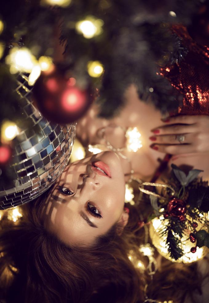 Người đẹp Thư Đình tung bộ ảnh đón Giáng sinh - 5