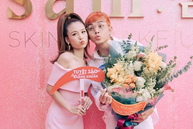 Ca sĩ Jun và Sam từng hợp tác trong phim Cô Thắm về làng.