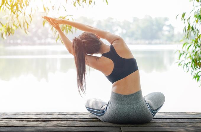 Thực hành yoga giúp cơ thể và tâm trí được tái tạo năng lượng. Xin nguồn ảnh.