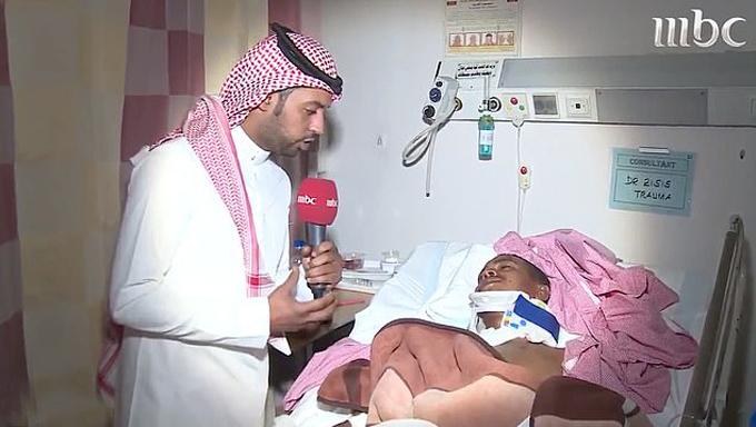 Mohammed Abdul Mohsen được điều trị ở bệnh viện tại Arab Saudi sau khi bị hổ cắn. Ảnh: MBC.