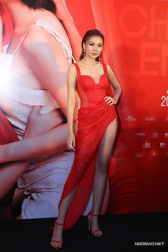 Thanh Hằng tại buổi chiếu ra mắt Chị chị em em tại TP HCM hôm 17/12.