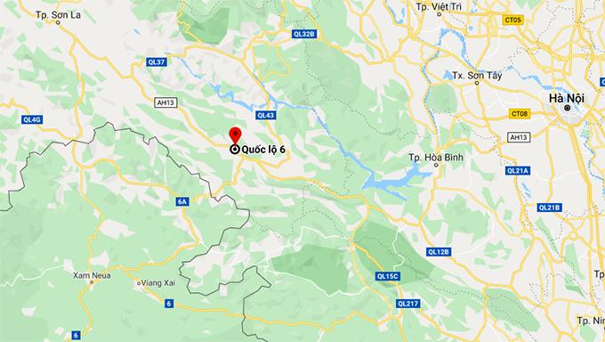 Vị trí tai nạn trên Quốc lộ 6 thuộc xã Chiềng Hắc, Mộc Châu, cách Tp Sơn La khoảng 100km và cách TT Mộc Châu vài km.