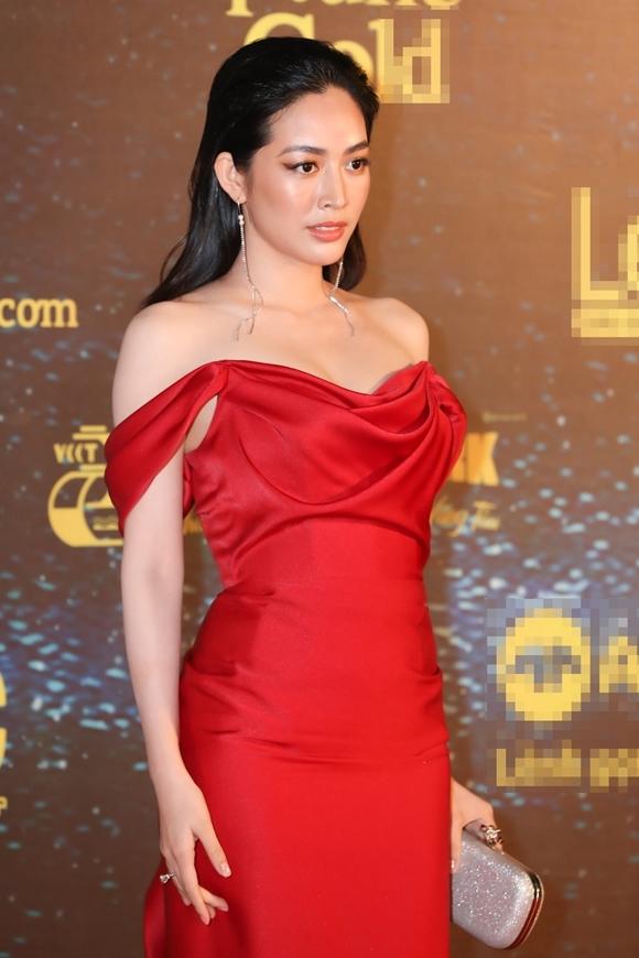 Diễn viên Mai Thanh Hà làm khách mời trao giải.