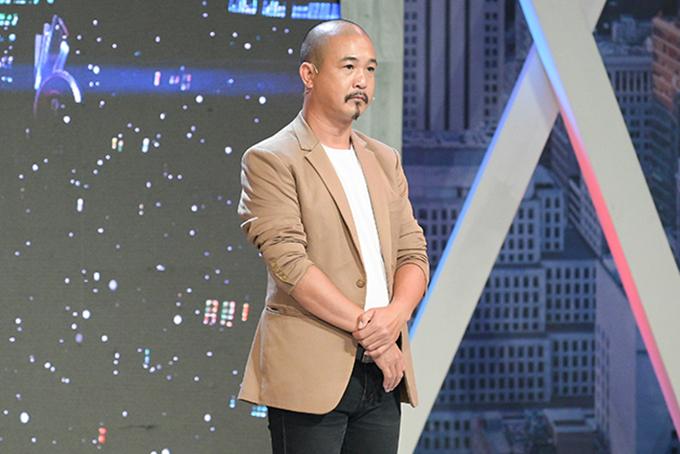 Phó đạo diễn Nguyễn Văn Nghệ.