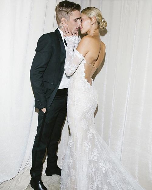 Cô dâu chú rể dành 1 năm để chuẩn bị đám cưới.