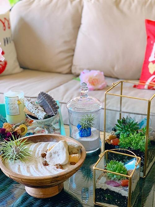 Quan niệm nhà là nơi lưu giữ kỷ niệm nên bà mẹ 8X luôn cố gắng đem nguồn năng lượng tích cực lấp đầy không gian sống bằng những món đồ nhỏ xinh.