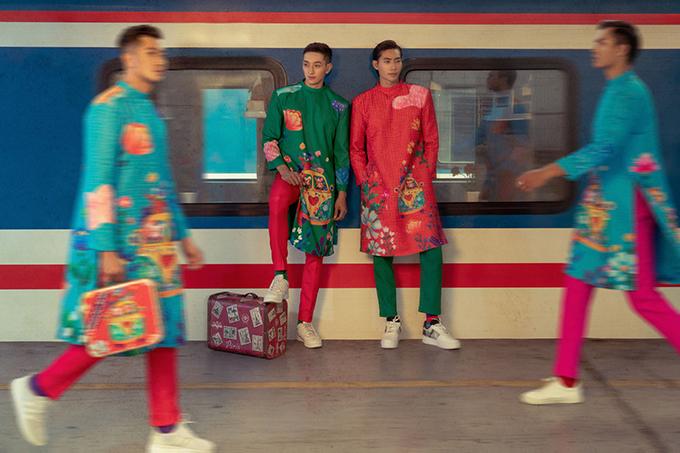 Bộ ảnh được thực hiện tại ga tàu Thống Nhất gợi nhớ hình ảnh đông vui, nhộn nhịp những ngày cận Tết và niềm hân hoan của những đứa con xa nhà được về chung vui bên gia đình trong dịp xuân mới.