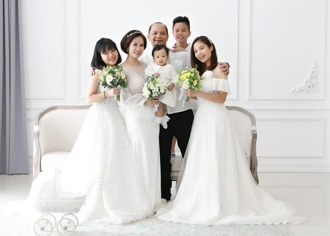 Gia đình diễn viên Nguyệt Hằng.