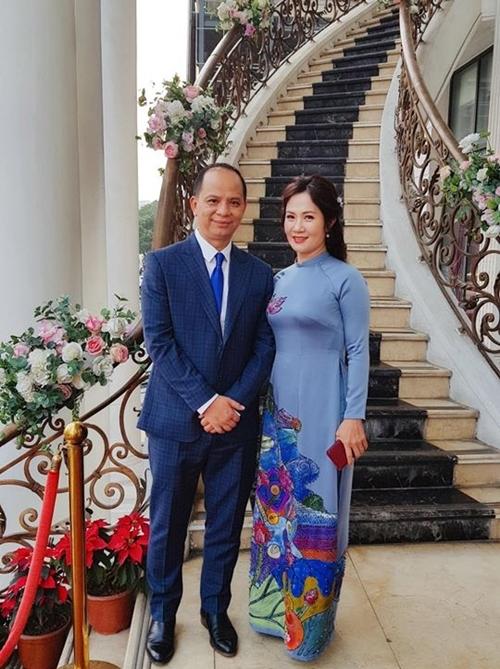 Vợ chồng Nguyệt Hằng - Anh Tuấn lên chức bố mẹ vợ.