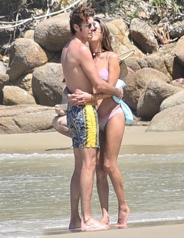 Nicolo Oddi là CEO của hãng thời trang cao cấp Italy, Alanui. Cặp trai tài, gái sắc đã hẹn hò từ giữa năm 2018.