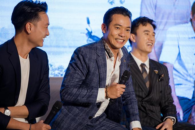 5 năm sau khi ghi dấu ấn với vai Xuân Tóc Đỏ trong phim Trò đời, Việt Bắc mới tái xuất khán giả truyền hình. Tại buổi chia sẻ, anh bật khóc vì xúc động trong ngày trở lại.