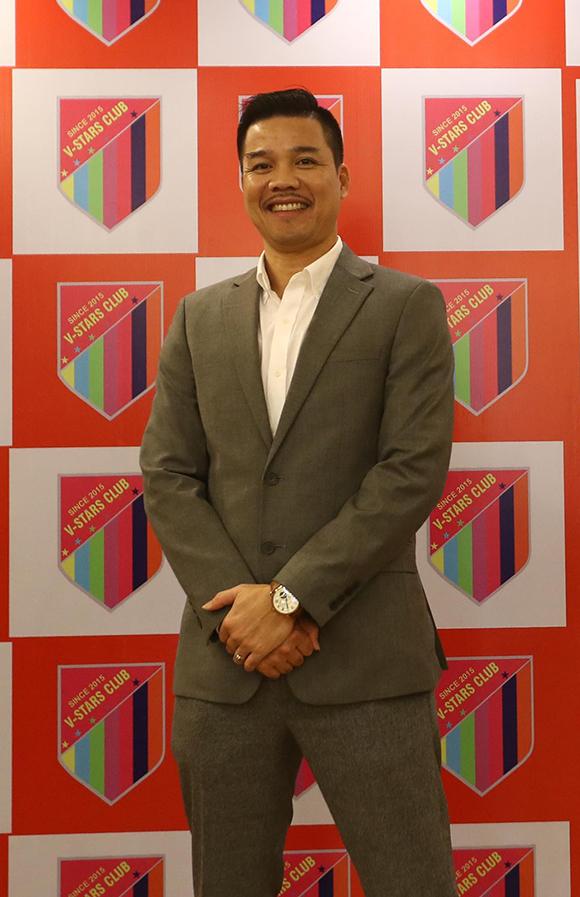 Cựu trung vệ Phạm Như Thuần bảnh bao đến dự sự kiện.