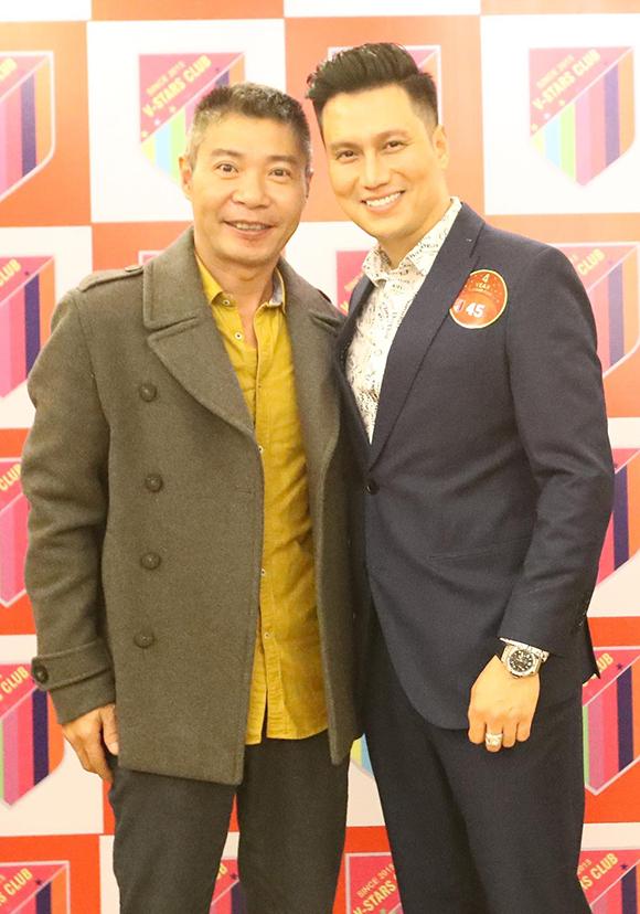 Diễn viên Việt Anh đảm nhận vai trò giám đốc điều hành của đội bóng. Anh ra Hà Nội từ nhiều ngày trước để chuẩn bị cho chương trình.