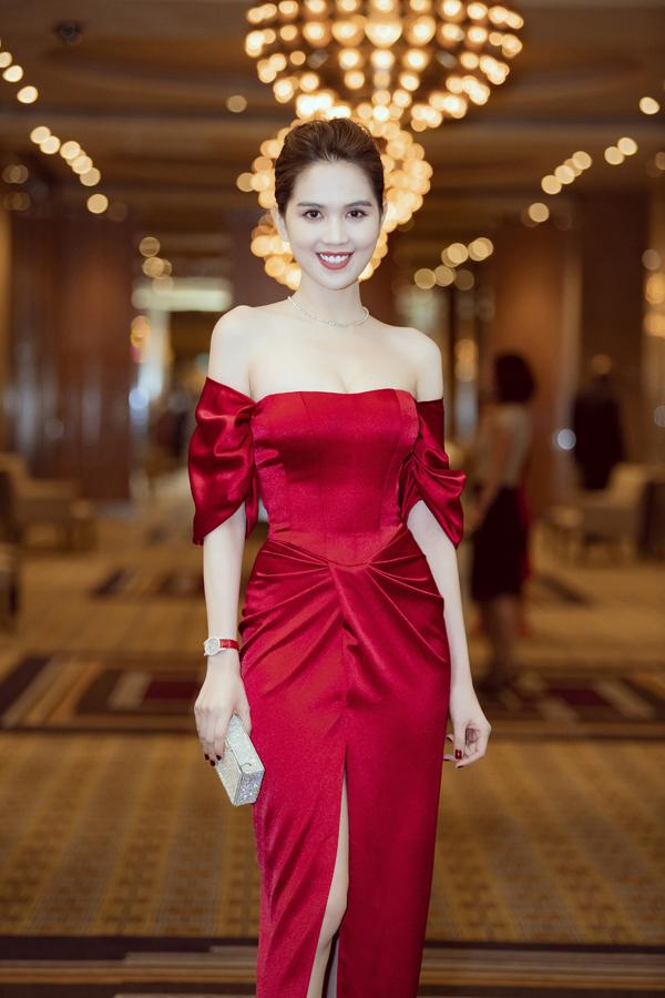 Không chỉ xinh đẹp, cuốn hút, Ngọc Trinh đang chứng tỏ bản lĩnh kinh doanh khiđảm nhận vai trò CEO của GHB.