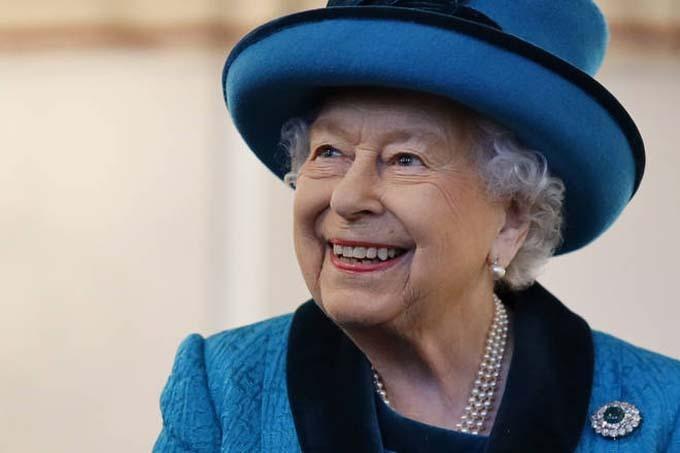 Nữ hoàng Elizabeth II hiện 93 tuổi và có thể sẽ trao ngai vàng cho con trai là Thái tử Charles vào năm 2021.