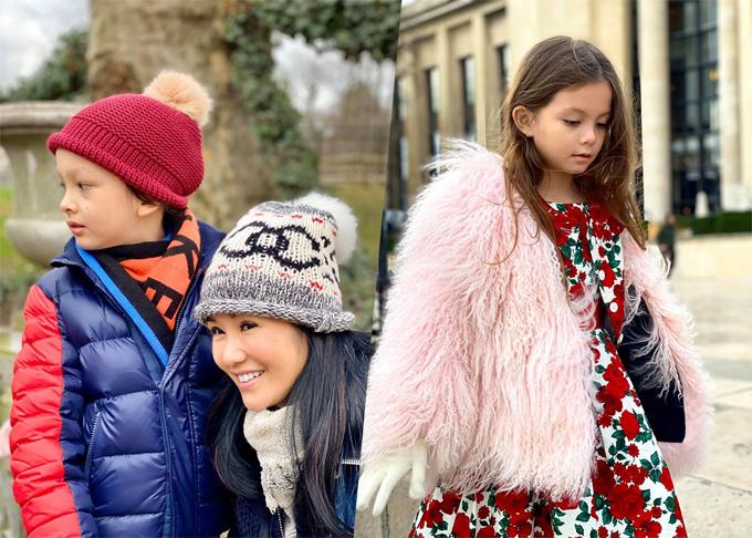 Ba mẹ con ca sĩ Hồng Nhung sang châu Âu nghỉ lễ Giáng sinh và đón năm mới cùng người thân. Hai bé Tôm Tép thích thú khám phá thành phố Paris cùng mẹ, chụp ảnh dưới chân tháp Eiffel và tham quan khu vườn Luxembourg thơ mộng.