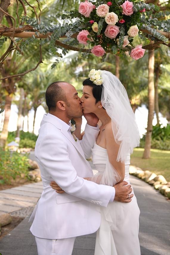 Xuân Lan bất ngờ kết hôn
