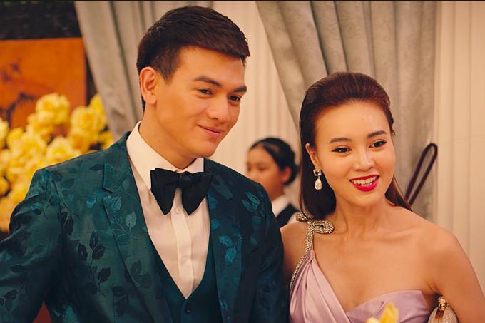 Ms Q (Lan Ngọc) bất ngờ khi bạn trai phi công Jack (Lê Xuân Tiền) là con trai một một gia tộc thuộc tầng lớp thượng lưu, giàu có bậc nhất xứ Huế.