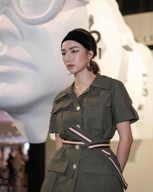 Tên thật là Hoàng Kim Ngân, Salim được biết đến từ vai Hoài An trong phim Cầu vồng tình yêu lên sóng năm 2011. Sau đó, cô gây chú ý nhiều hơn nhờ vai trò mẫu ảnh, quảng cáo và làm gương mặt đại diện cho một số nhãn hàng.