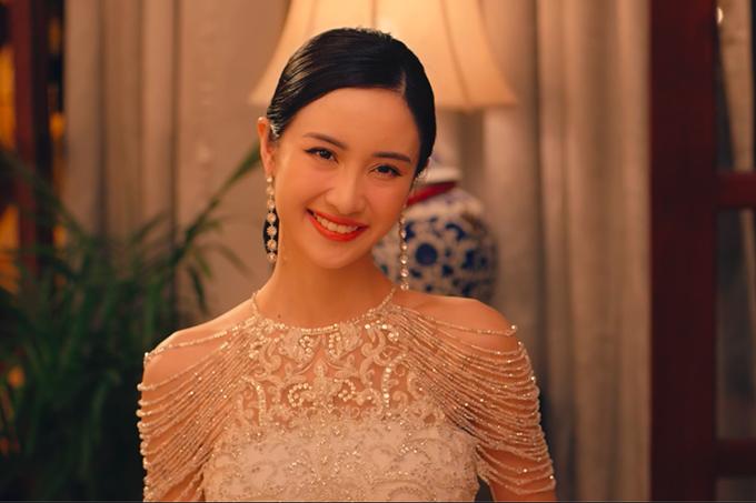 Người mà mà bà Thái Tuyết Mai thật sự chờ đợi chính là Khánh My (Jun Vũ) - bạn thanh mai trúc mã của Jack, cũng chính là con dâu tương lai mà bà mong muốn.