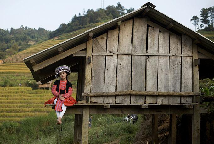 Hoa hậu nhí muốn giới thiệu cảnh đẹp quê hương Việt Nam với bạn bè quốc tế. Bella Vũ hiện sống ở Singapore nhưng thỉnh thoảng về Việt Nam hoạt động nghệ thuật. Ngoài ca hát, cô bé 11 tuổi còn thích diễn thời trang, làm mẫu ảnh.